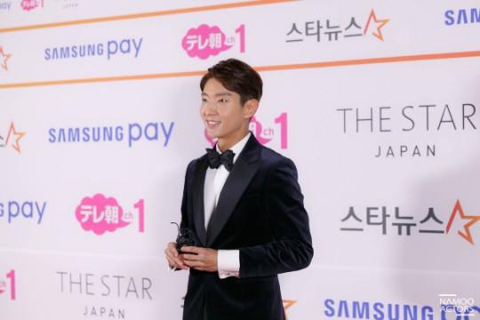"""Lee Joon Gi, premio AAA """"Fabulous Award"""" """"Haz lo mejor que puedas"""" 0000523325_001_20171116231407787"""