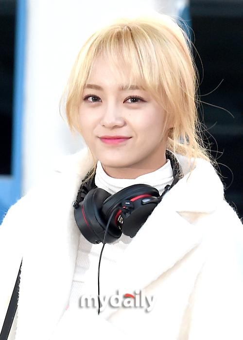 [MD포토] 아이오아이 김세정 '부드러운 미소로 굿모닝'